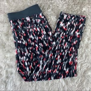 Nike Cropped Leggings Workout Flame Small